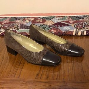 Brown Leather SRO Size 6 1/2 shoes